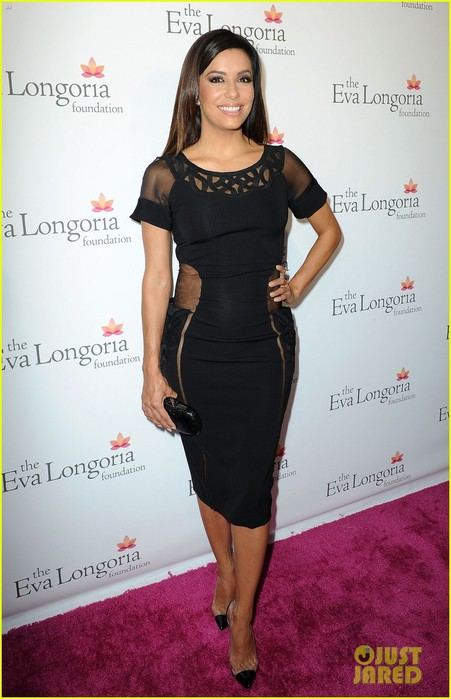 eva-longoria-sheer-cutout-dress-foundation-dinner-11 (451x700, 77Kb)