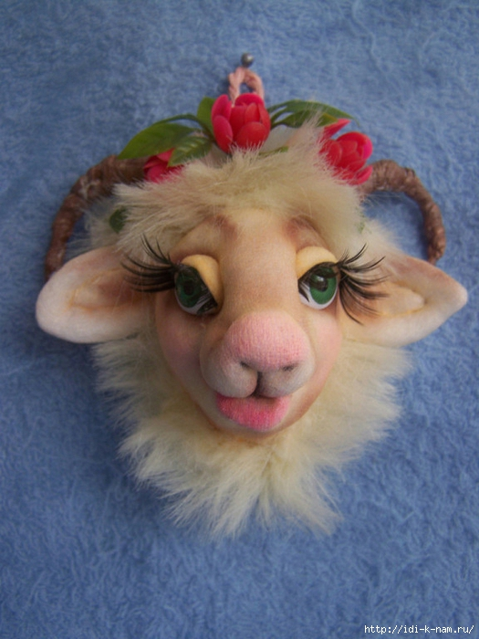 символ 2015 гола своими руками, овечки и козочки из капрона, поделки из капроновых колготок, колготочные куклы, новогодняя овечка, новогодняя коза, Хьюго Пьюго рукоделие,