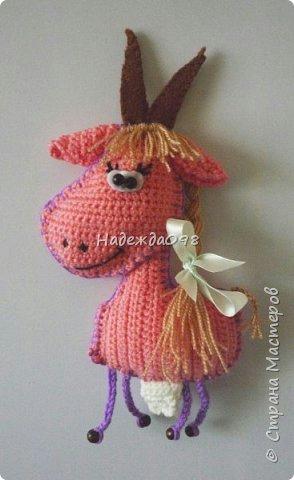 как связать козочку, как связать козу, вязаная козочка, вязаная коза, схема вязания козы, схема вязания козочки, как связать символ 2015 года, символ 2015 года своими рукамами, вязаная козочка магнит на холодильник, Хьюго Пьюго рукоделие вязаная козочка,