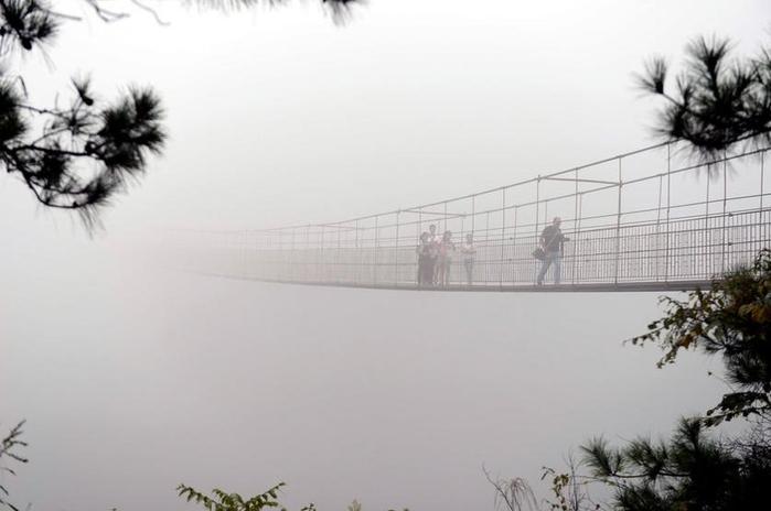 стеклянный мост китай 2 (700x464, 145Kb)