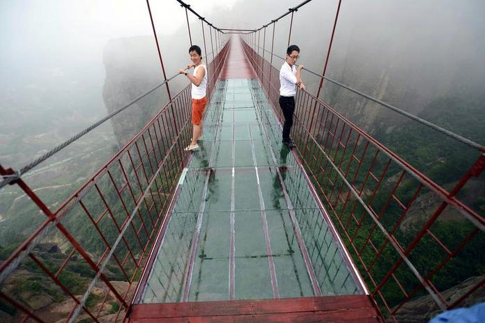 стеклянный мост китай 4 (700x466, 322Kb)