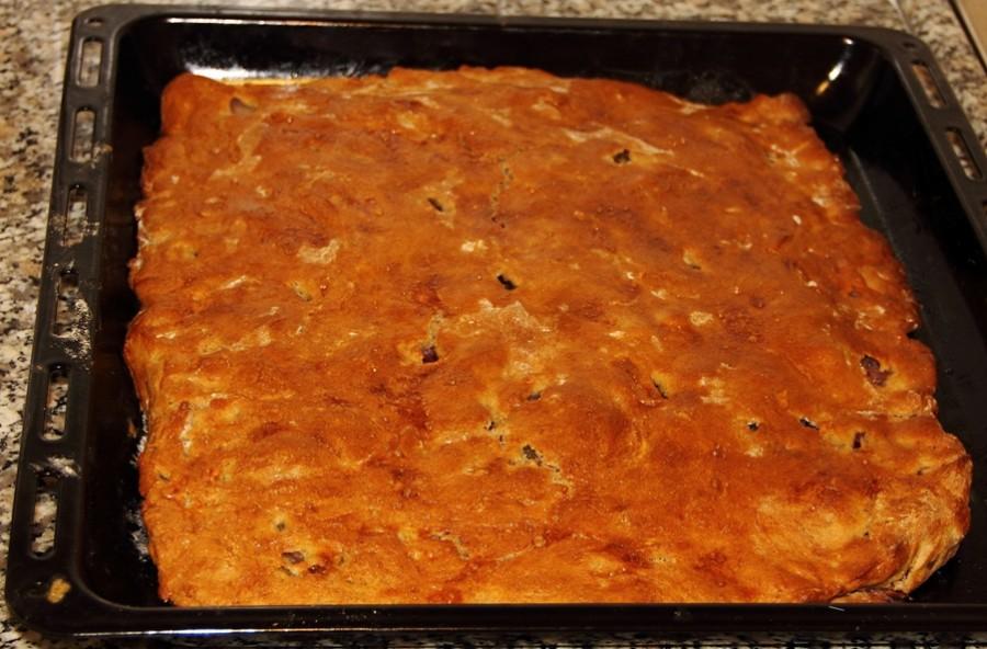 Пирог с соленой капустой в духовке