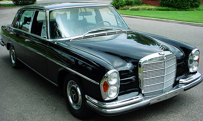 2. Mercedes-Benz 300 SEL 6.3 (700x418, 344Kb)