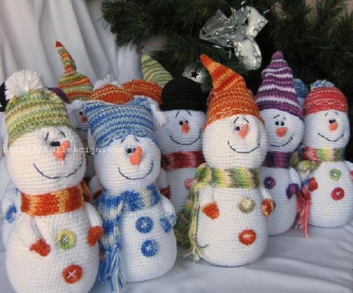 Снеговики своими руками вязаные