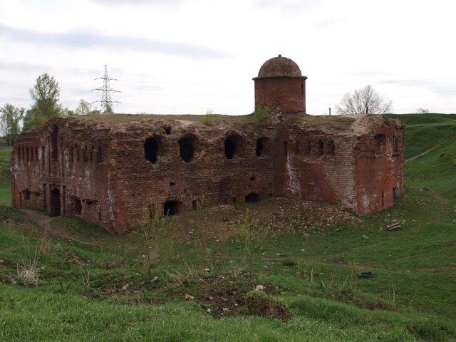 Бобруйская крепость - фото от annataliya.ru(640x480, 77Kb)