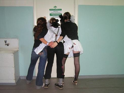 Голые девочки в школьной раздевалке фото 690-716