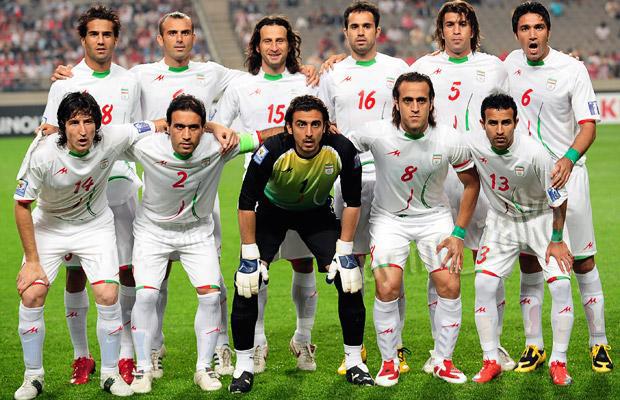 Иранские футболисты поддержали Мусави