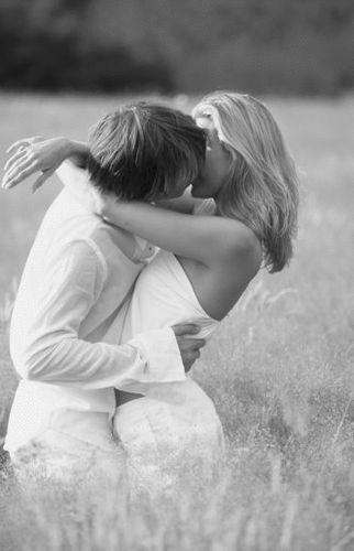 Страстный поцелуй блондинки фото 52-98