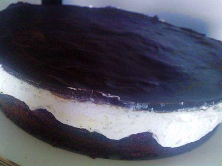 Рецепт торта Шоколадный с вишней