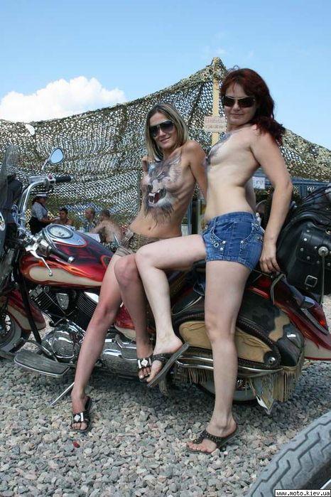 с голыми девчонками приключения