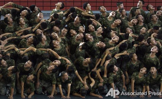 Танцы военных