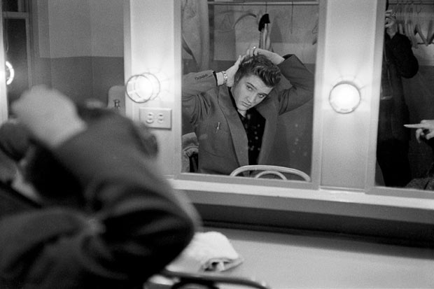 ����� ������ (Elvis Presley) � 21 ��� �� ������ ���������� �������� �����������.