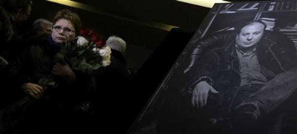 На похоронной церемонии прощания с Егором Гайдаром, 19 декабря 2009 года, Москва.