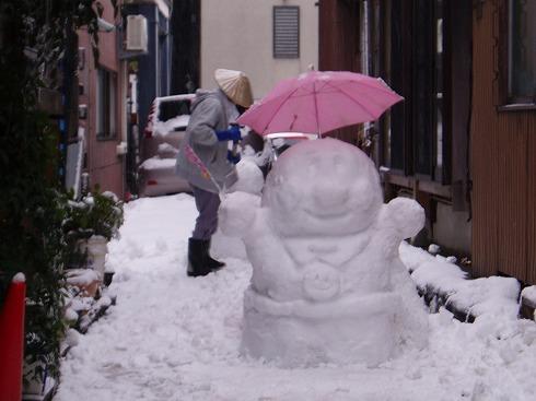 А вы знаете, чем отличается японский снеговик от русского?