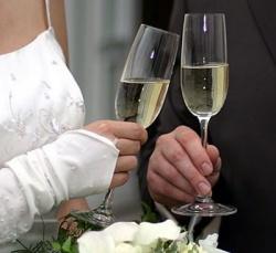 glavnyjj-svadebnyjj-napitok-shampanskoe_48888_big (250x229, 22Kb)