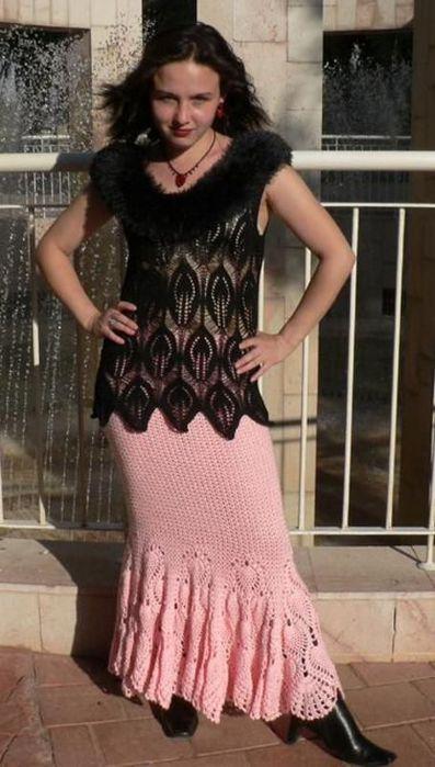 Стильные пуловеры и юбка по одному узору. Вязание спицами
