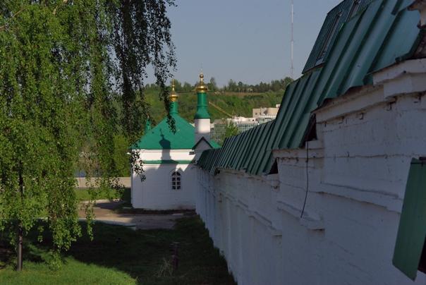 Стена с Часовней Св Николая (604x404, 190Kb)