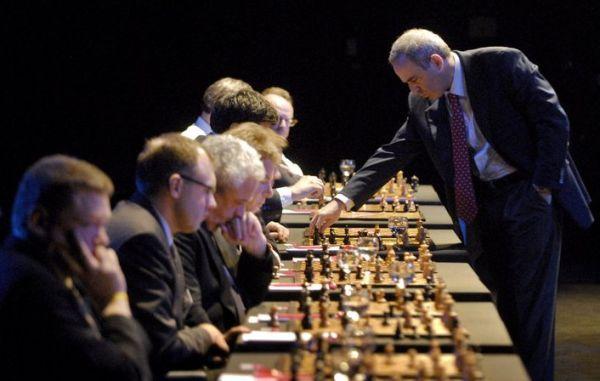 лучшие шахматисты мира (4) (600x381, 154Kb)
