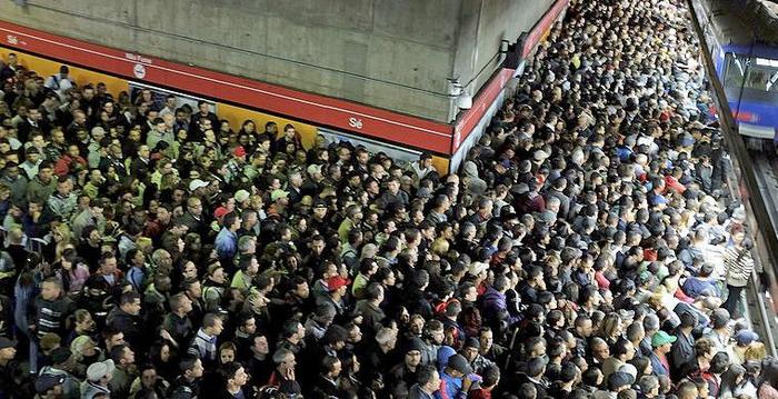 метро в час пик фото 4 (700x359, 390Kb)