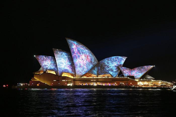 световое шоу австралия 18 (700x466, 271Kb)