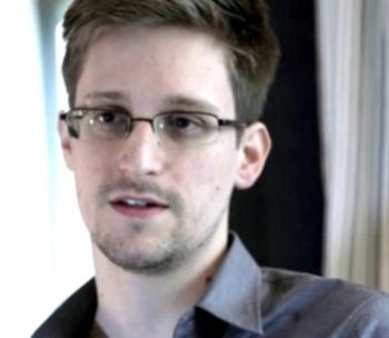 Бывший агент ЦРУ Сноуден 1 (350x304, 50Kb)