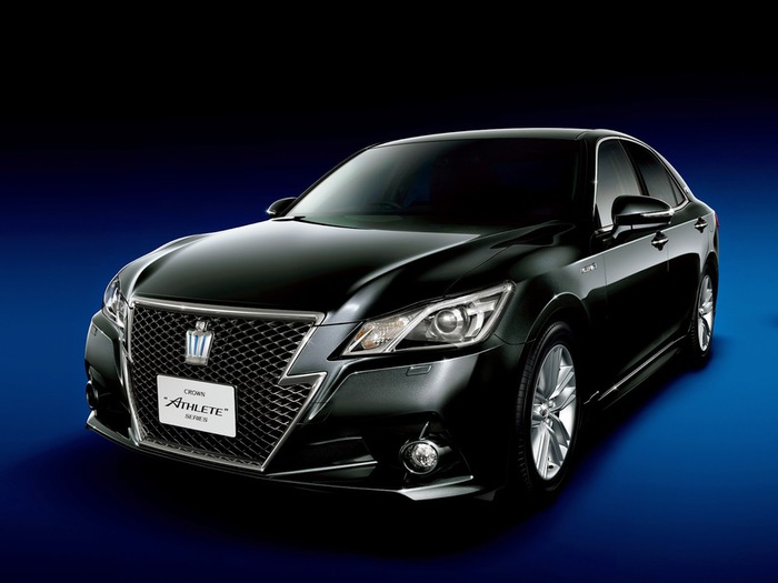 Toyota Crown (700x525, 64Kb)