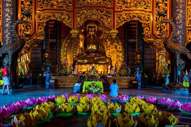 храмовый комплекс Bai Dinh 11 (670x447, 538Kb)