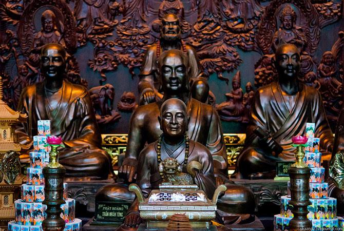 храмовый комплекс Bai Dinh 14 (670x450, 413Kb)