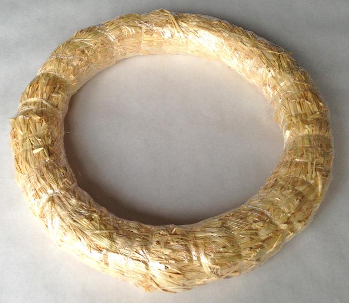 Walnut-Wreath-Straw-Wreath2218 (700x609, 468Kb)