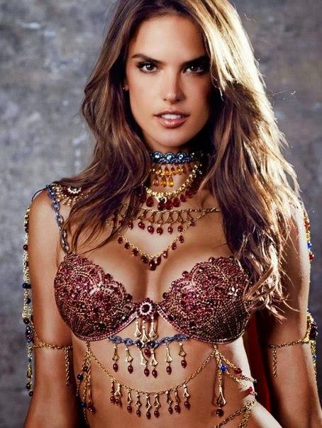 фэнтези-бра Victoria's Secret 3 (454x604, 279Kb)