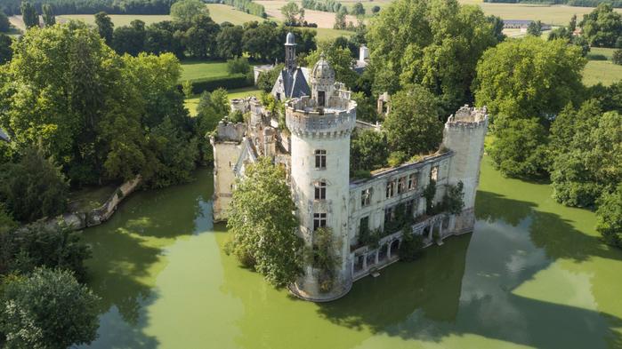французский замок фото 3 (700x393, 382Kb)