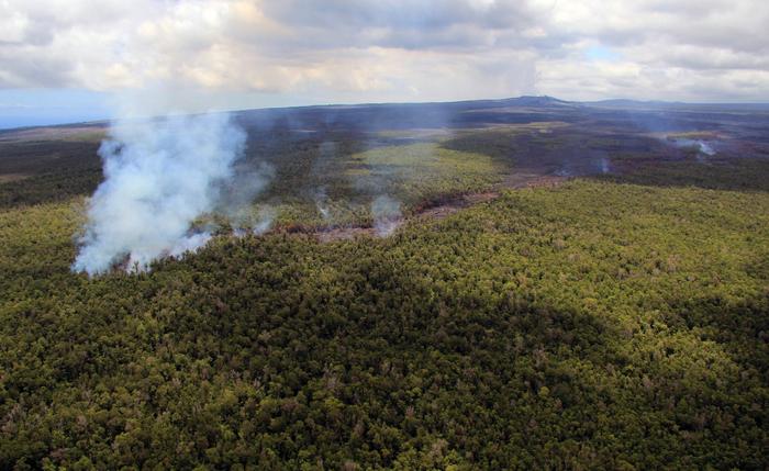 извержение вулкана килауэа гаваи 4 (700x429, 413Kb)