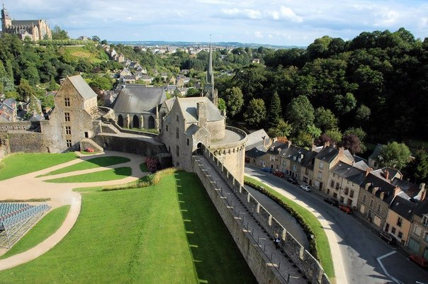 Fougeres1 (604x401, 275Kb)