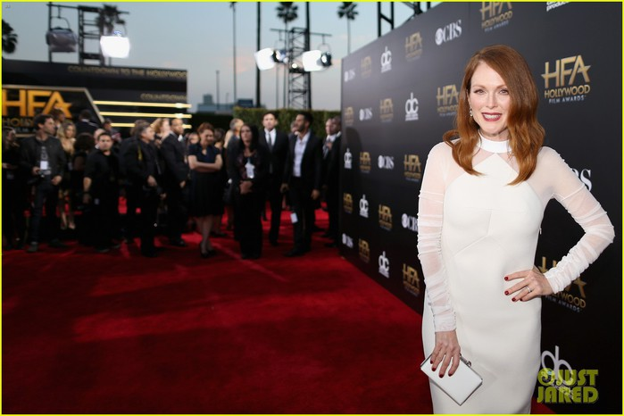 julianne-moore-hollywood-film-awards-2014-05 (700x466, 65Kb)
