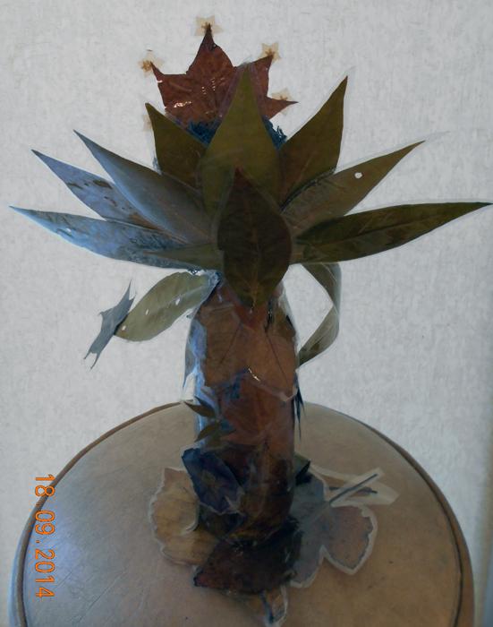 Поделки из осенних листьев. что можно сделать из листьев. что можно сделать из гербария, как сделать лешего, как сделать старичка лесовичка, осенние поделки детей. Хьюго Пьюго поделки вмести с детьми,