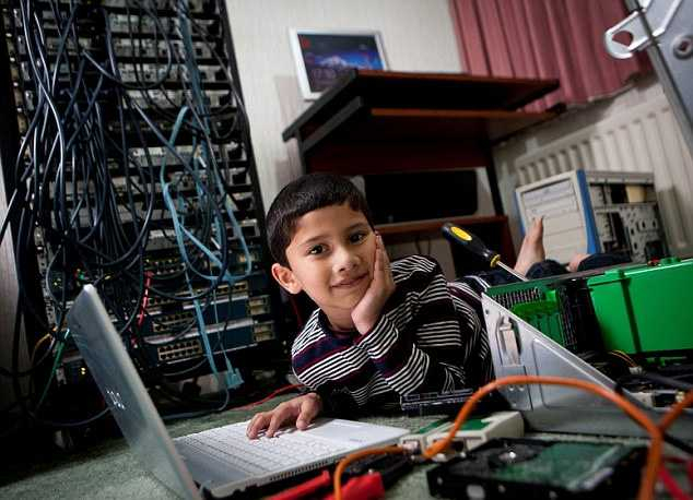 компьютерный гений Аян Куреши 1 (634x458, 238Kb)