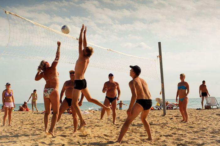 Пляжные виды спорта/4718947_plyazh (700x466, 63Kb)