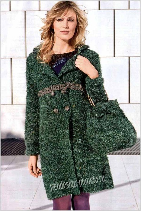 zelenoe-palto-spitsami-i-sumka-foto (467x700, 103Kb)