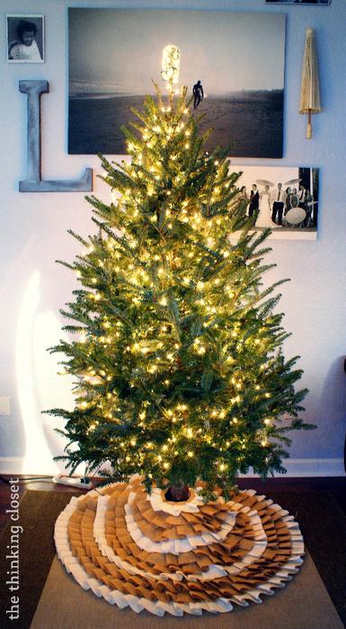 Как сшить юбочку для новогодней елки. Мастер-класс (7) (385x700, 472Kb)