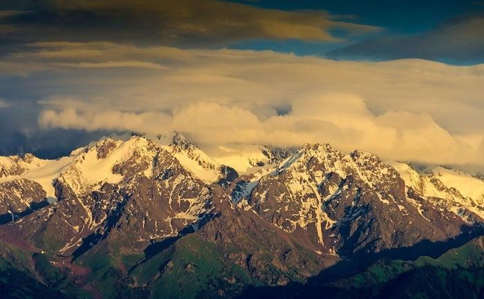 Наши горы1 (700x433, 108Kb)