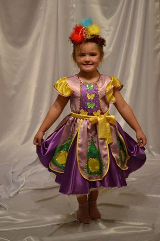 Новогодние костюмы для девочек своими руками фото снежная королева