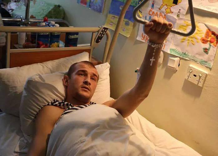 Эта война уничтожает судьбы людей: сожжены, поломаны, без ног, без рук, без глаз, - волонтер Андрей Малькив передал помощь раненным украинским воинам - Цензор.НЕТ 618