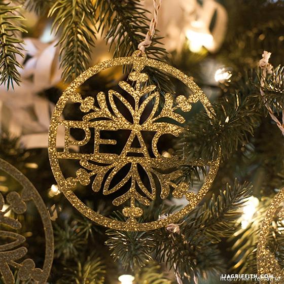 Золотые подвески для новогодней елочки (7) (560x560, 346Kb)