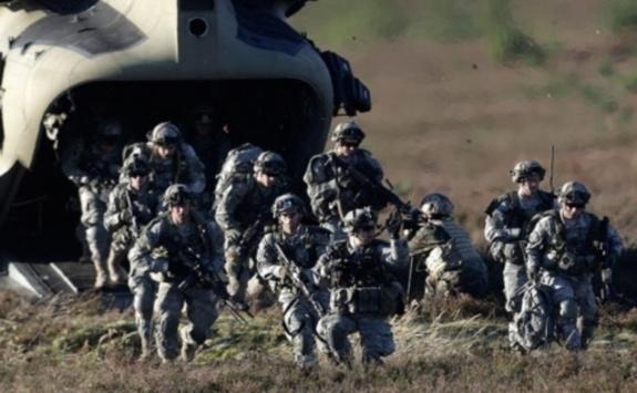 НАТО окупировало Эстонию (575x355, 77Kb)