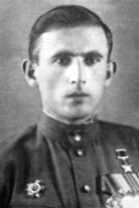 На крымском фронте полк действовал с января 1942 года