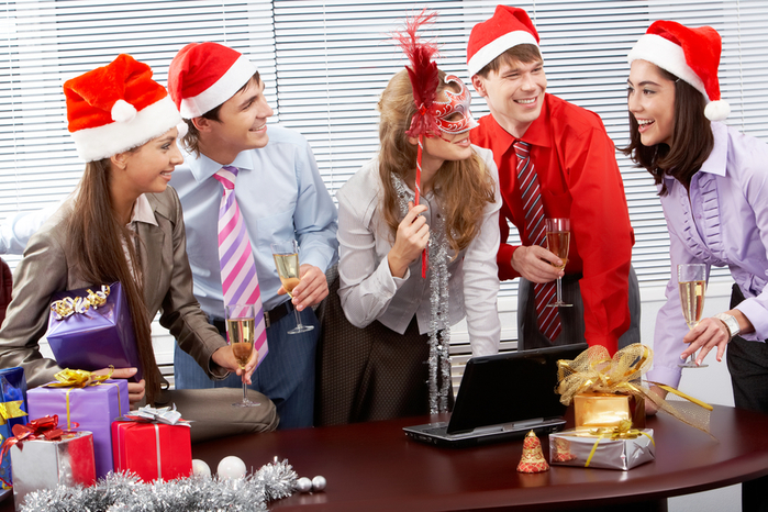 3726595_OfficeHoliday (700x466, 461Kb)
