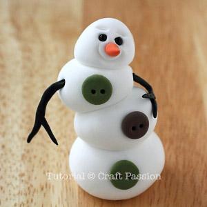 Веселый снеговик. Брелок для ключей из полимерной глины (7) (300x300, 62Kb)