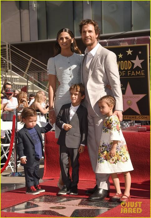 matthew-mcconaughey-family-hollywood-walk-of-fame-03 (484x700, 121Kb)