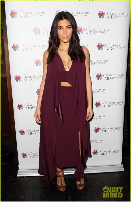 kim-kardashian-kanye-west-aids-day-awareness-01 (454x700, 70Kb)