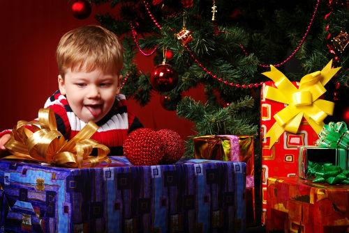 Подарки детям на новый год – нелегкий выбор.